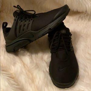 Nike Presto Essential Triple Black